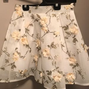 Chicwish polyester flower skirt